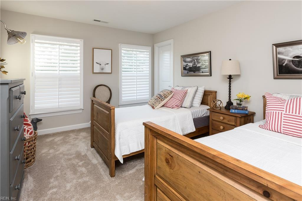 SPACIOUS SECONDARY BEDROOMS