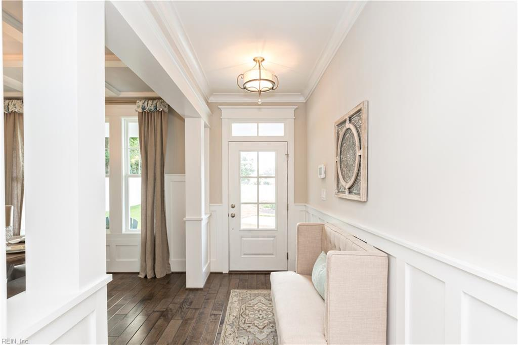 Open Foyer, 9 ft. ceilings