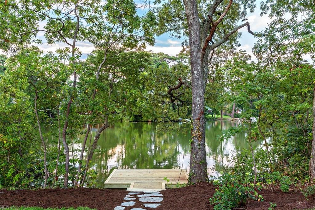 Peaceful lake front living and your own private dock!