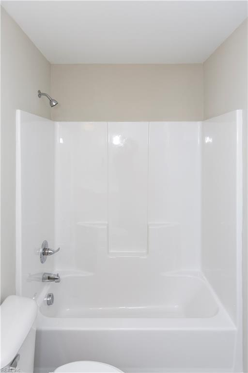 Full bath for the guest suite.
