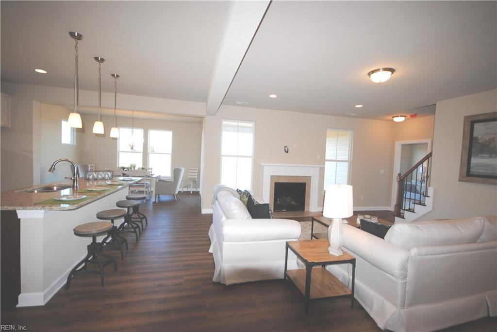9 ft. ceilings, optional gas fireplace -  Similar Photo